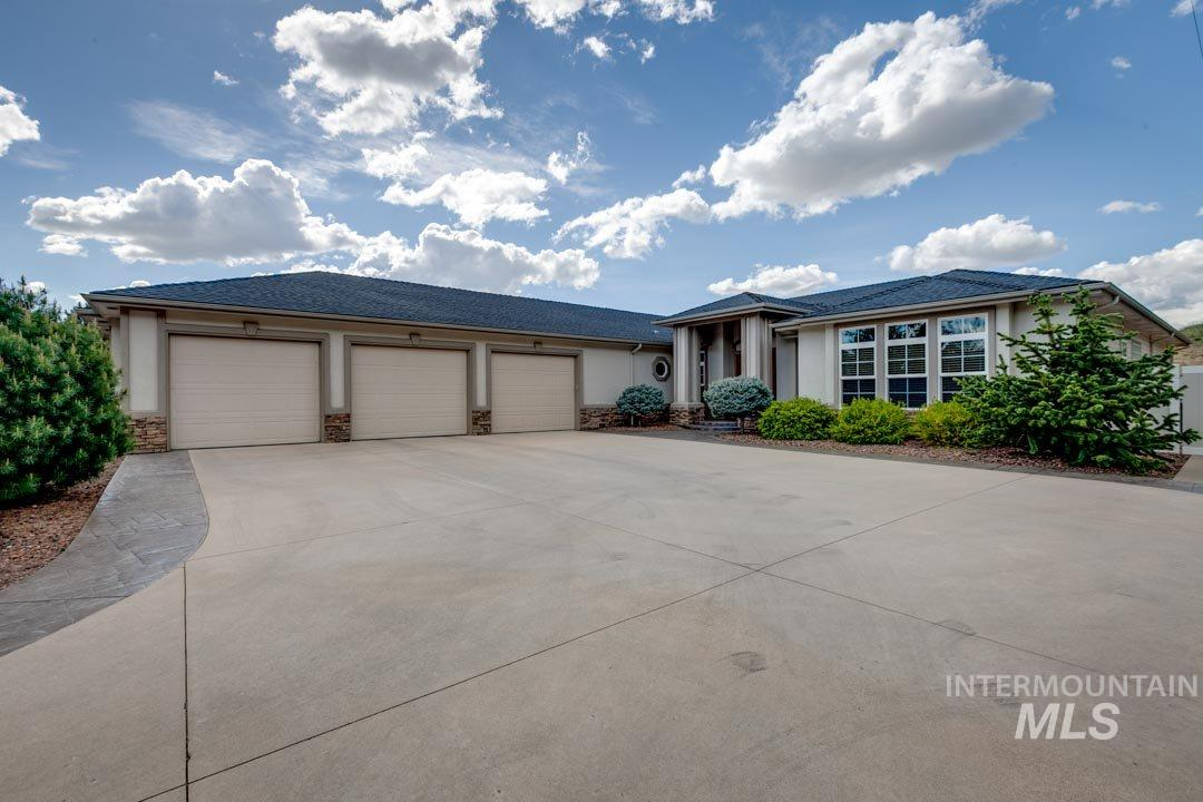 3925 N Hackberry Way, Boise ID 83702