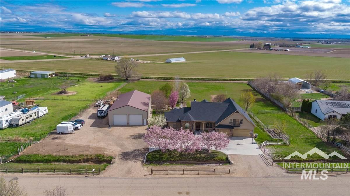 11774 Lawrence Dr, Caldwell ID 83607