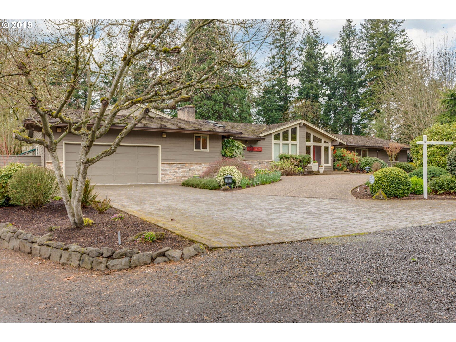 10735 SW HAWTHORNE LN, Portland OR 97225
