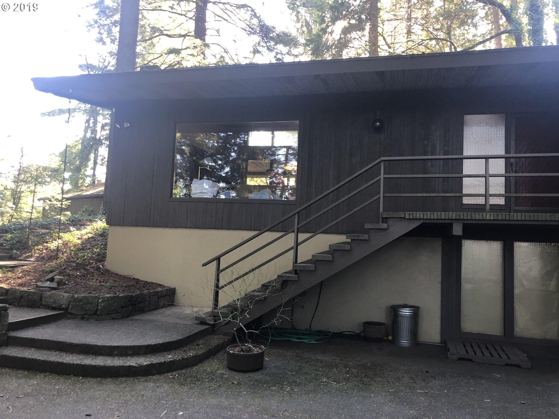10925 SW RIVERSIDE DR, Portland OR 97219