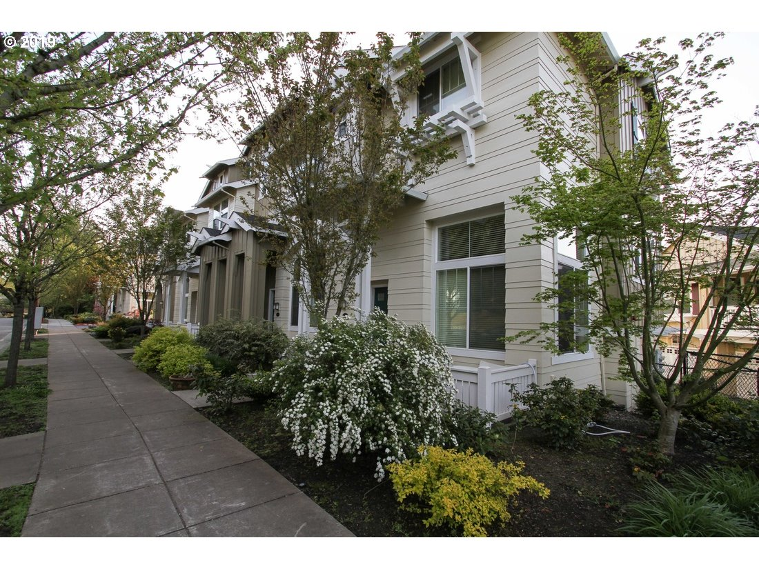 2624 SW Hume CT, Portland OR 97219