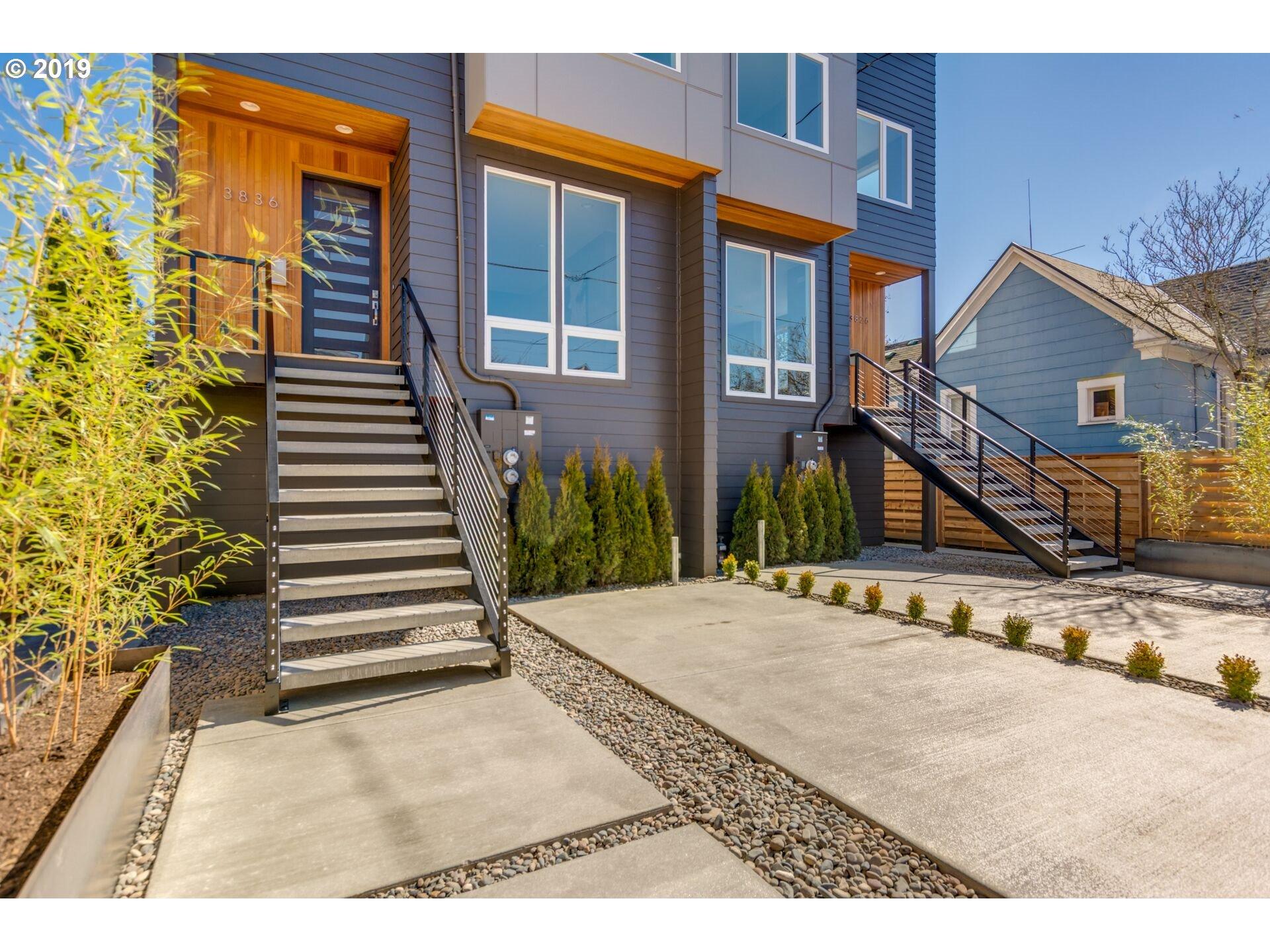 3826 NE GRAND AVE, Portland OR 97212