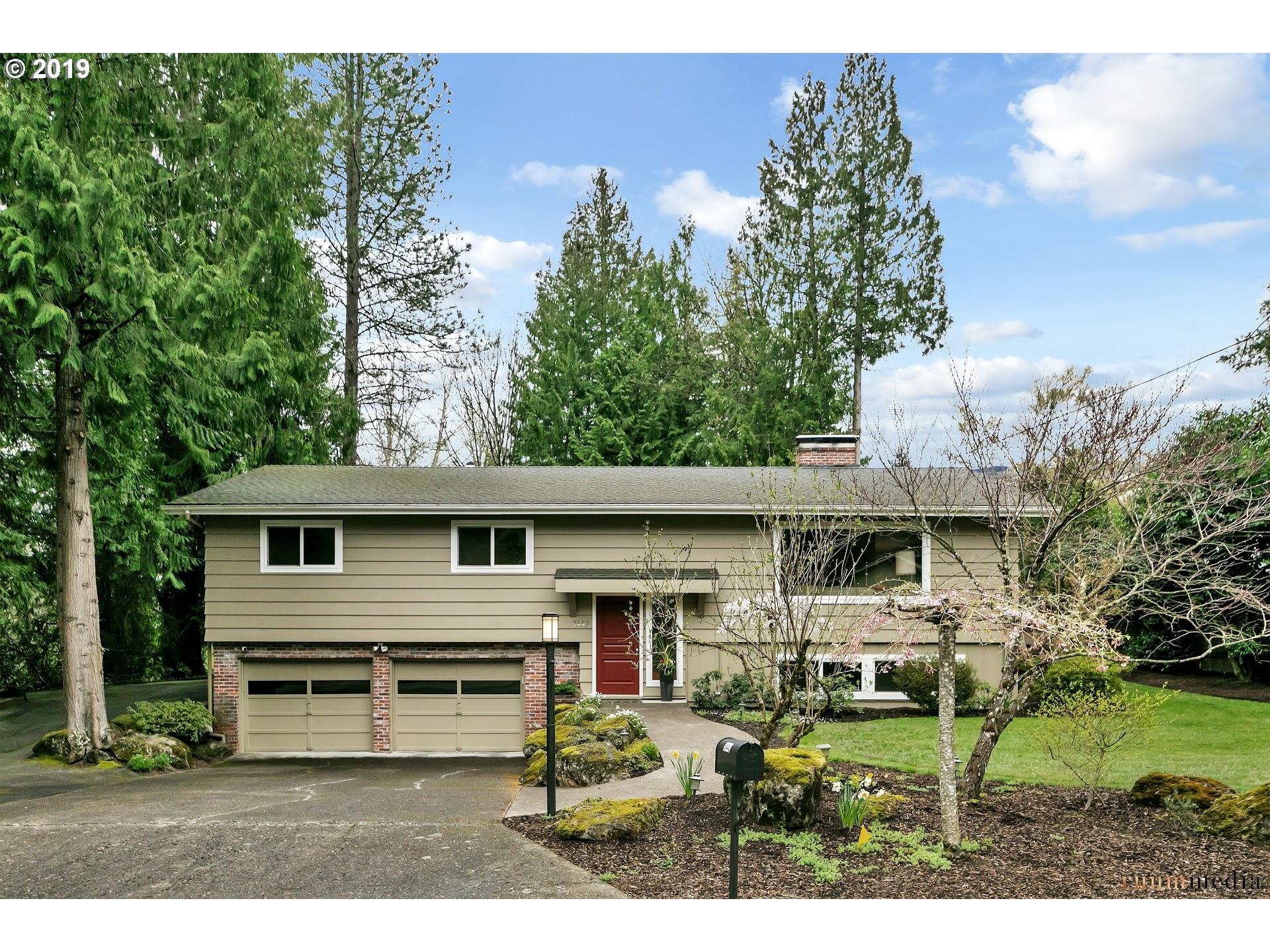 5442 SW THOMAS ST, Portland OR 97221