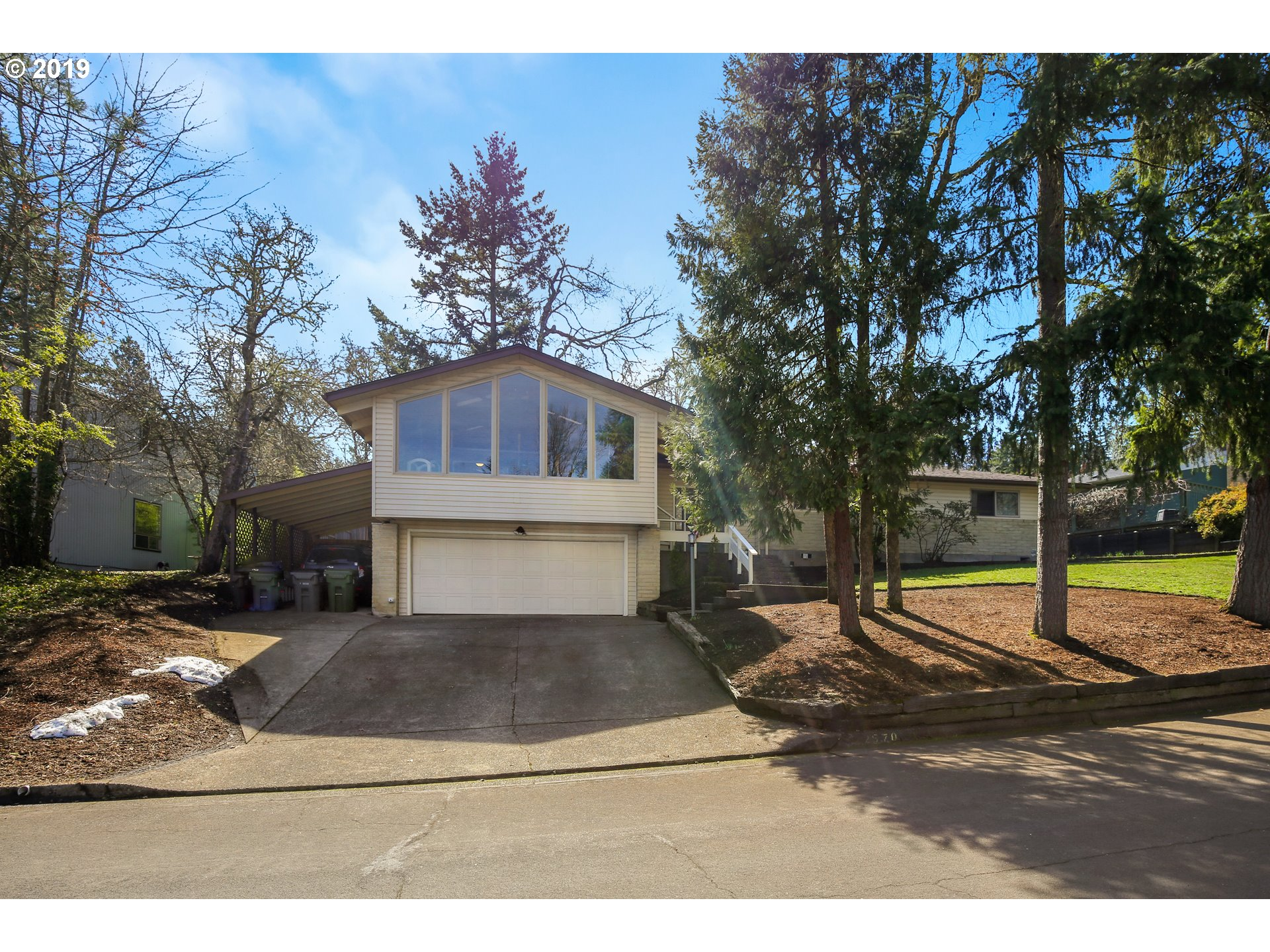 2570 W 21ST AVE, Eugene OR 97405