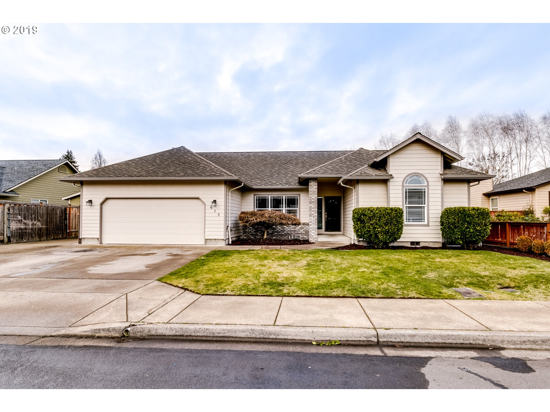 615 EDWARDS DR, Eugene OR 97404